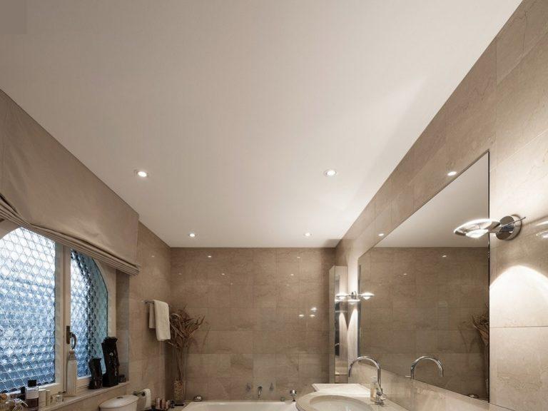 Матовый натяжной потолок в ванной 4к3