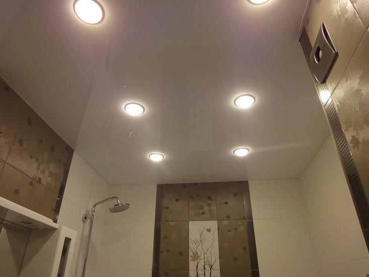 Глянцевый белый натяжной потолок 1м2